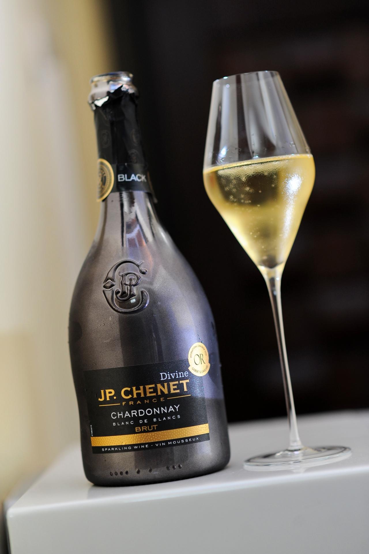 JP Chenet Divine Chardonnay Sparkling